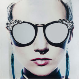 Glassbilde Metallic Girlie 120x120cm
